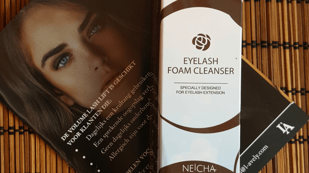 Russian Volume Wimperextensions +Eyeliner